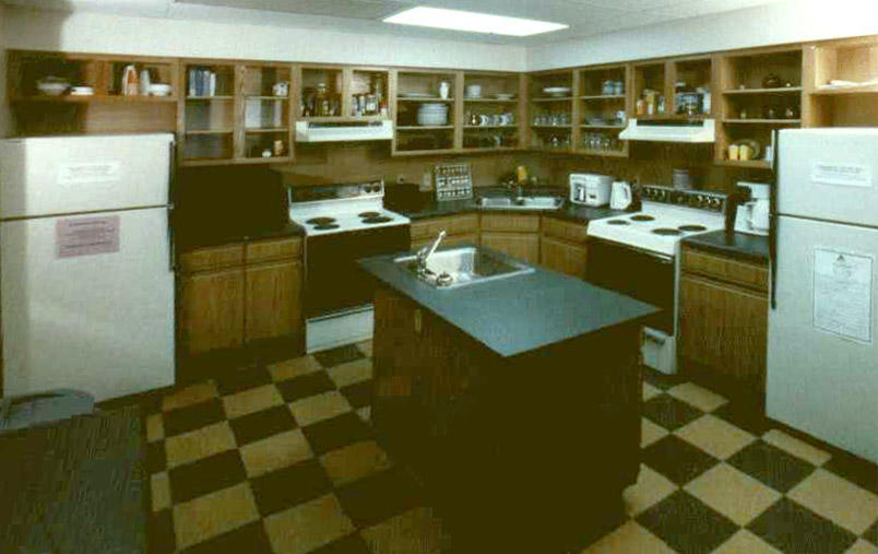 Hosteller's kitchen at Hostelling International - Pittsburgh